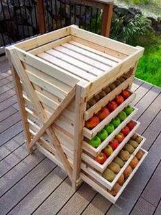 Zöldség, gyümölcs tárolás.