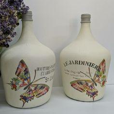 Bottle Painting, Bottle Art, Bottles And Jars, Glass Bottles, Arts And Crafts, Diy Crafts, Altered Bottles, Colored Paper, Crafty