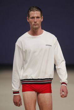 Blog que informa lo mejor del mundo de la moda masculina: Fashion Weeks alrededor del mundo, colecciones, estilo de las celebridades y más.