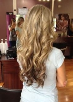 Hair Extensions with reverse Ombre!! Voluminous curls!! These extensions look super real