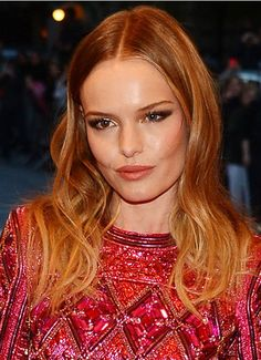Kate Bosworth Copper Blonde Hair Color Formula Natural Level: 6, 7GD (1/2oz), 8CR (1/2oz), XBO (1/4oz) mixed with 30 vol Hairmonic Developer (1 1/4oz) Ombre Ends: Naturlite White Powder (1 scoop) mixed with 10 volume cream developer (2 scoops) #copperblonde #summerhair
