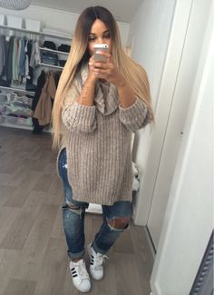Her outfit though! |All BLONDIES Access| Pinterest: @PaigeCamillia