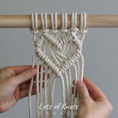 DIY Macrame Tutorial: Heart Pattern Using Double Half Hitch Knots! Macrame Wall Hanging Patterns, Macrame Plant Hangers, Macrame Patterns, Knitting Patterns, Macrame Design, Macrame Art, Macrame Projects, How To Do Macrame, Macrame Supplies