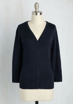 Charter School Cardigan in Navy. Show your style smarts in this versatile cardigan! #blue #modcloth