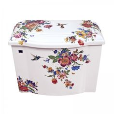 Scented Garden Floral design painted on a Kohler Devonshire toilet tank and lid. http://www.decoratedbathroom.com/toilets/scented-garden-painted-toilet