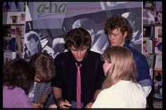 a-ha - hmv 363 Oxford Street, London - instore signing January 1986