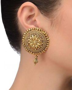 antique gold round earrings with a drop , single drop , regal earrings Indian Jewelry Earrings, Fancy Jewellery, Jewelry Design Earrings, Gold Earrings Designs, Gold Jewellery Design, Stylish Jewelry, Fashion Jewelry, Gold Jewelry, Bridal Jewellery