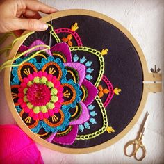 crewel embroidery kits for beginners Hand Embroidery Stitches, Crewel Embroidery, Modern Embroidery, Embroidery Hoop Art, Hand Embroidery Designs, Embroidery Techniques, Cross Stitch Embroidery, Mexican Embroidery, Sewing