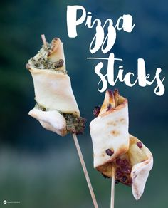 Pizzasticks selbermachen - einfache Fingerfood Idee - Glamping Rezeptideen auf Kreativfieber.de