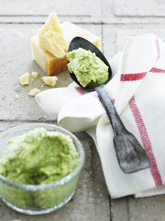 Broccoli er verdens sundeste grønsag, og denne broccoli creme er ikke bare delikat, den er også sund og top anvendelig.