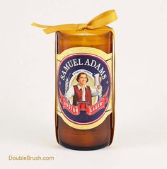 We took a favorite American beer, Samuel Adams, and turned it into a unique and useful recycled beer bottle candle. It is the perfect gift for your favorite patriot! Sam Adams is a popular American Be