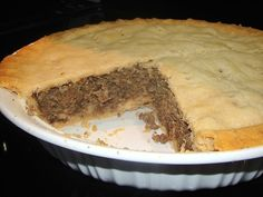 Tourtière is a French Canadian meat pie which is traditionally served at Christ. Canadian Living Recipes, Canadian Cuisine, Canadian Food, Canadian Dishes, Tourtiere Recipe Quebec, Tortiere Recipe, French Meat Pie, French Canadian Meat Pie Recipe, Meat Recipes