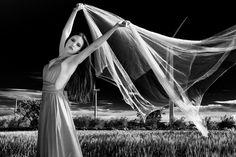 Danzando con el viento - Danzando con el viento Modelo: Ruth Sanz Fotografía y edición: Marife Castejón (My Visions) Ayudante: Kino Harkonnen
