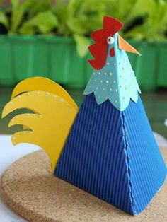 Nous, les coq ! - Les cahiers de Joséphine Art For Kids, Crafts For Kids, Arts And Crafts, Thanksgiving Crafts, Easter Crafts, Origami, Art Projects, Projects To Try, Chicken Crafts