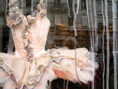 Tutu in Repetto, Paris Tutu Ballet, Ballerina Dancing, Ballet Dancers, Tutu Costumes, Ballet Costumes, Ballerina Costume, Nutcracker Costumes, Isadora Duncan, Ballet Shop