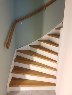 Staircase Makeover, Small Entry, Home Reno, Interior Walls, Stairways, Wall Design, Ikea, Sweet Home, New Homes