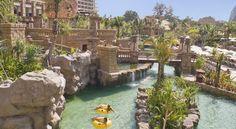 €118 Het Centara Grand Mirage Beach Resort Pattaya biedt spannende strandvakanties. Het resort beschikt over een waterpretpark aan het strand.