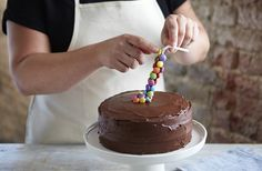 Learn how to make a gravity-defying cake with our easy step-by-step recipe. Find more easy & adventurous baking recipes at Tesco Real Food.