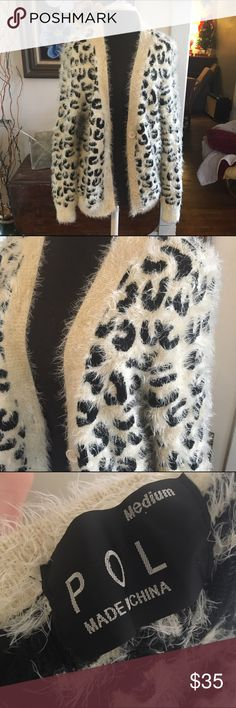 POL white leopard print oversized fuzzy sweater POL white leopard print oversized fuzzy sweater cardigan. Super soft and comfy size medium. POL Sweaters Cardigans