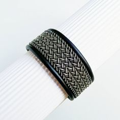 Scandinavian Leather Armband Swedish bracelet Sami Viking Armband. Waiting for the continuation of the series VIKINGI. Wide mens leather braided bracelet from the VINTAGE series. The name EDD of the bracelet in Swedish means an oath, a solemn promise of loyalty. Suitable for men