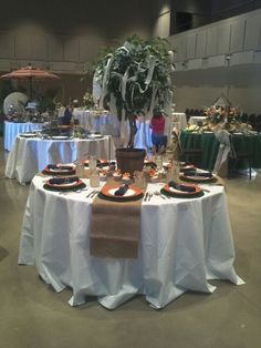 Great idea for small scale centerpiece for tailgating auburn style