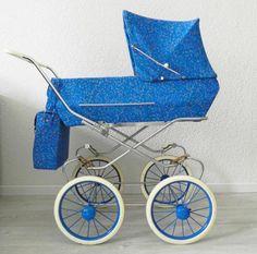 Vintage Pram, Vintage Dolls, Pram Stroller, Baby Strollers, Prams And Pushchairs, Dolls Prams, Baby Prams, Baby Carriage, Kids And Parenting