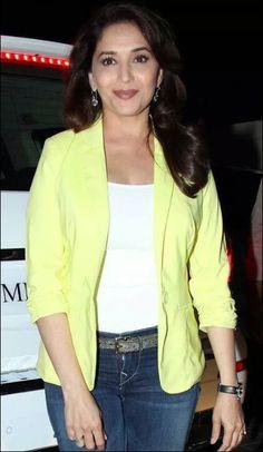 Madhuri dixit Shiva Lord Wallpapers, Actress Anushka, Beautiful Bollywood Actress, Madhuri Dixit, Beautiful Hijab, Bollywood Actors, Timeless Beauty, Beauty Queens, Hottest Photos