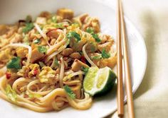Healthy Chicken Dishes - Chicken Pad Thai (I plan to modify the ground chicken for boneless tenders and add snow peas)
