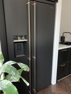 Home Room Design, Dream Home Design, House Design, Goth Home Decor, Home Office Decor, Modern Kitchen Design, Kitchen Interior, Home Kitchens, Appliance