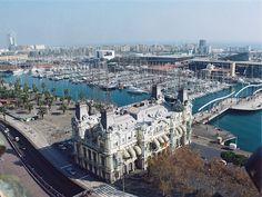 """""""Permítanme exponer aquí cuánto amo Barcelona, una ciudad admirable, una ciudad llena de vida, intensa, un puerto abierto al pasado y al futuro """""""
