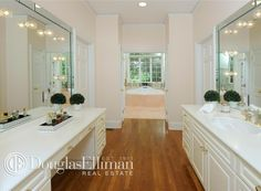 Real Estate - Homes For Sale Vanity Area, Perfect Place, Bathtub, Real Estate, Master Bathrooms, Bedrooms, Beautiful, Home Decor, Dressing Tables