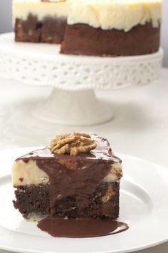 Vou começar o ano com uma torta deliciosa, de sorvete com brownie. A ideia peguei lá do blog da minha querida amiga Sandra , sempre cheio d...