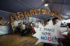 Le cabaret des Initiatives à l'Alter Eco Festival 2012, un espace pour échanger avec une vingtaine d'associations environnementales et solidaires (Greenpeace, WWF, Good Planet, Artisans du Monde, Max Havelaar etc...).