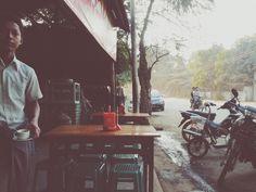 Another day, another lahpetyei.  #lahpetyei #milktea #bagan #nyaungu #nyaungoo #myanmar #vscocam #vscomyanmar   ruben_i   VSCO Grid