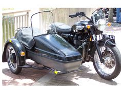Velorex Sidecar fitted to a classic Triumph