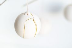 DIY Kintsugi Gold Fixed Christmas Baubles   Fall For DIY