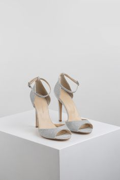 KACHOROVSKA / textile high heel wedding sandals High Heels, Textiles, Sandals, Wedding, Shoes, Fashion, Valentines Day Weddings, Moda, Shoes Sandals