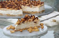 Sukkerfri snickers iskake - LINDASTUHAUG Tiramisu, Food And Drink, Cooking Recipes, Keto, Baking, Ethnic Recipes, Desserts, Recipes, Tailgate Desserts