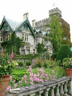 "miss-mandy-m: Hatley Castle, Vancouver Island,. - miss-mandy-m: ""Hatley Castle, Vancouver Island, Canada "" Beautiful Castles, Beautiful Buildings, Beautiful Homes, Beautiful Places, Victoria Canada, Victoria British, British Columbia, Hatley Castle, Vancouver Island"