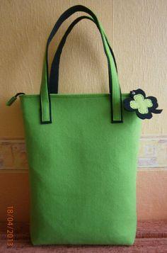 zielona z koniczynką