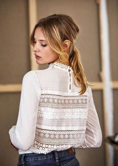 Find tips and tricks, amazing ideas for Spring couture. Discover and try out new things about Spring couture site Bluse Outfit, Mode Top, Paris Mode, Style Casual, Mode Inspiration, Mode Style, Shirt Blouses, Spring Summer Fashion, Blouse Designs