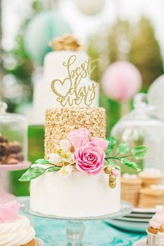 OUR FAVORITE WEDDING CAKES FROM 2015