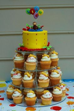 Curious George Cupcakes and smash cake (though he's a bit old for the latter).i like the colors of the actual cake and the idea of creating a curious george cake topper holding balloons. Curious George Party, Curious George Cupcakes, Curious George Birthday, First Birthday Parties, First Birthdays, Birthday Ideas, 3rd Birthday, Happpy Birthday, Partys