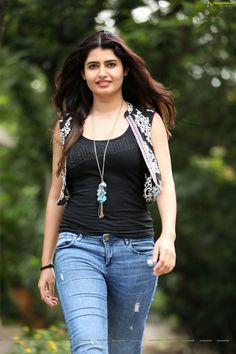 Sani2a27 Beautiful Girl Indian, Most Beautiful Indian Actress, Beautiful Gorgeous, Most Beautiful Women, Beautiful Saree, Beautiful Bollywood Actress, Beautiful Actresses, Beauty Full Girl, Beauty Women