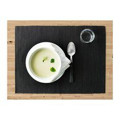 MÄRIT Tablett IKEA Skyddar bordsytan och minskar slammer från tallrikar och bestick.