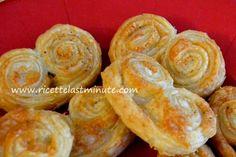 Gira... gira... gira... sfoglia!!!  Per un aperitivo, un antipasto, un pic-nic o semplicemente come stuzzichino!!!   http://www.ricettelastminute.com/ricette/80-antipasti/1268-girelle-di-sfoglia-ai-4-formaggi  #ricetta #ricette #ricettelastminute #pastasfoglia #aperitivo #happyhour #formaggio #sabato #instapic #instacool #instafood #instagood #instagram #instaphoto #ingredienti #me #italy #italia #sicily #sicilia #photooftheday #pictureoftheday