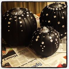 glam pumpkins for halloween. by prim and polished.