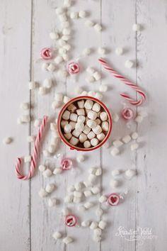 Kristín Vald Candy Cane Poem, Candy Cane Image, Candy Cane Reindeer, Candy Cane Cookies, Candy Canes, Christmas Drinks, Christmas Mood, Christmas Candy, White Christmas