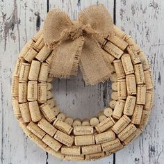 Easy Wine Cork Crafts for Wall Decor | DIY WIne Cork Wreath | DIY Projects & Crafts by DIY JOY at http://diyjoy.com/diy-wine-cork-crafts-craft-ideas
