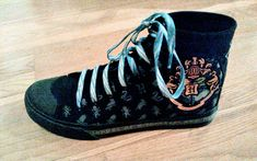 Harry Potter, Sneakers, Pictures, Shoes, Fashion, Tennis, Photos, Moda, Slippers